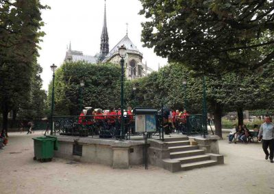 Paris Notre Dame Aug 2016